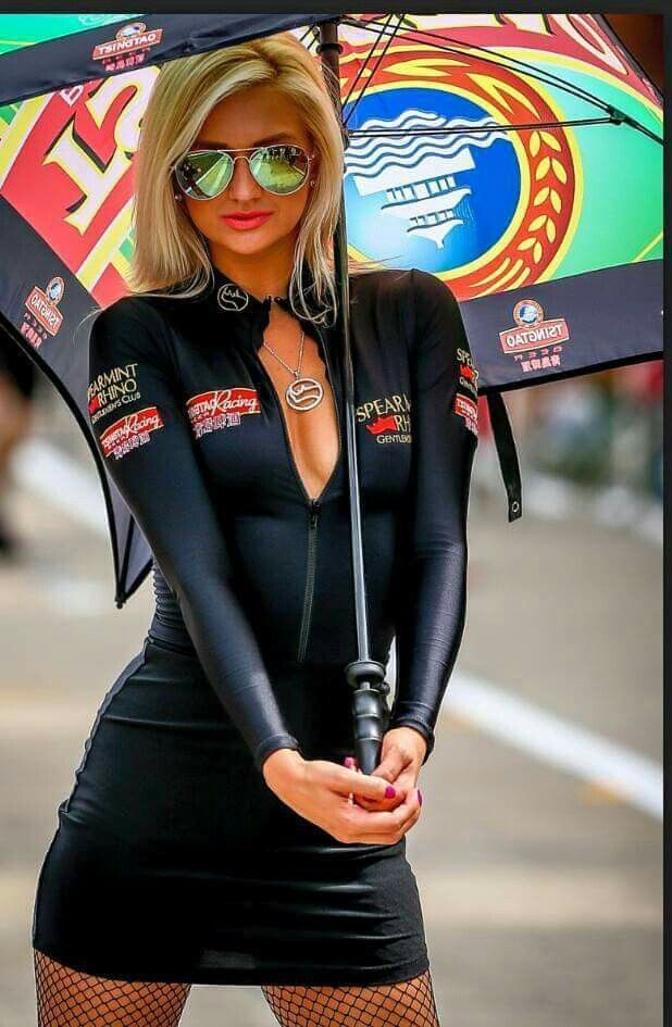 Resultado de imagem para grid girls hot pants | Racing