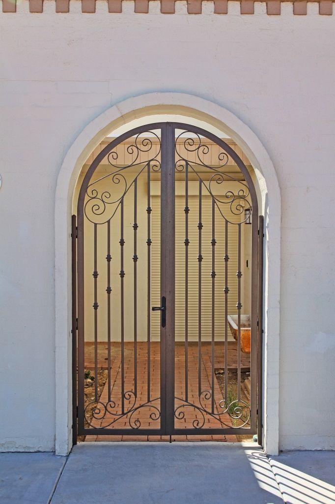 Enclosures Features Amp Benefits Iron Garden Gates Iron