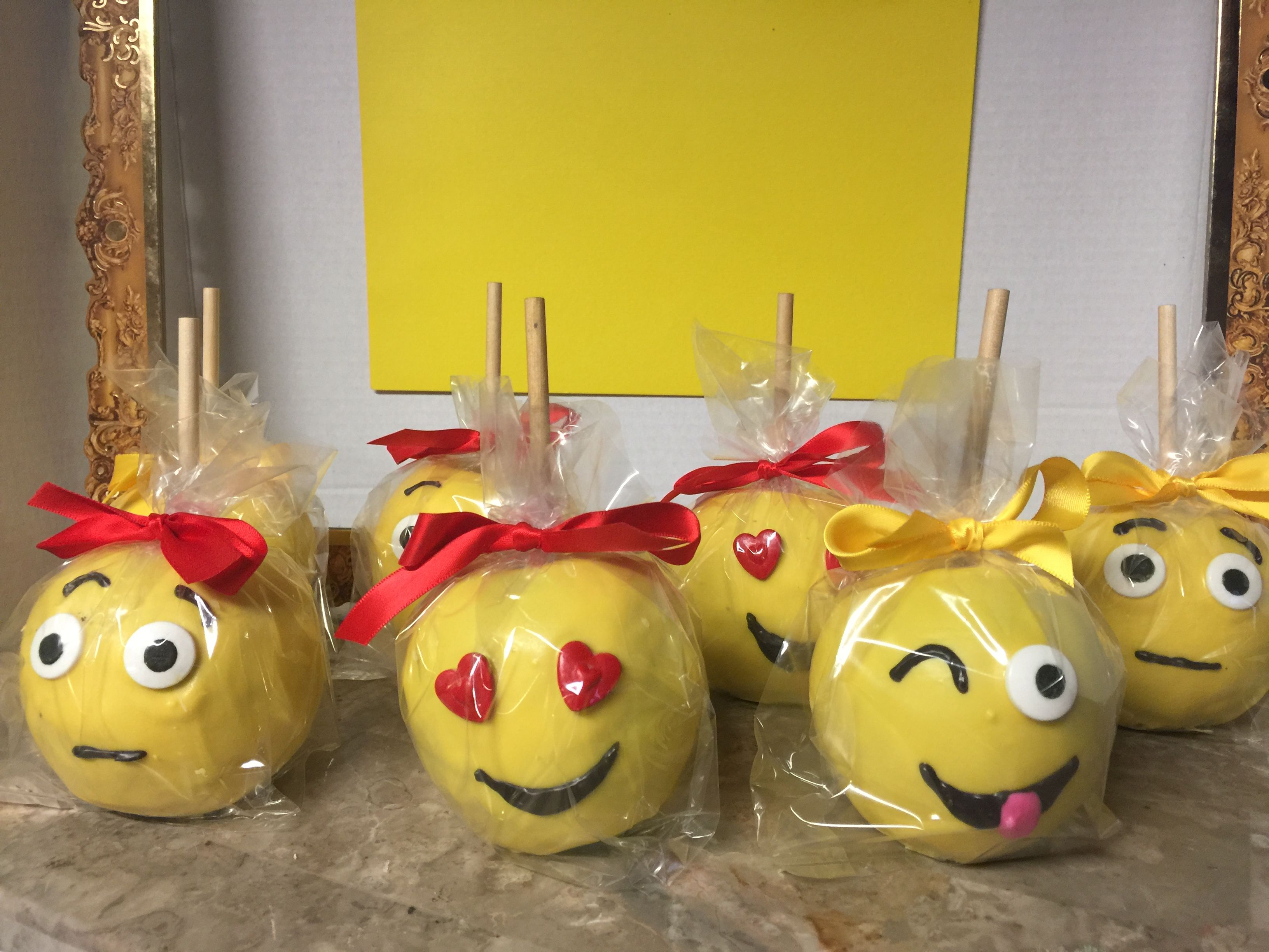 Emoji chocolate covered apples | I MADE THIS! | Pinterest ...