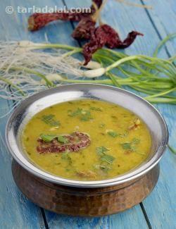 Hare lehsun ki toovar dal recipe garlic dishes and lentils hare lehsun ki toovar dal recipe dal recipes by tarla dalal tarladalal indian food forumfinder Choice Image