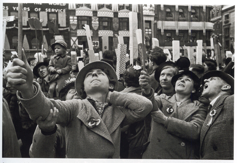 Henri Cartier-Bresson, Couronnement de Georges VI, Londres 12 mai 1937 - Cultea