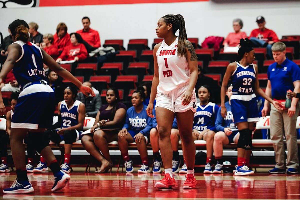 Apsu womens basketball clashes with belmont at the dunn