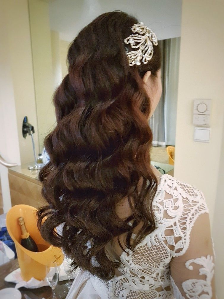 Classy vintage style waves for long hair. For the hopelessly romantic ...