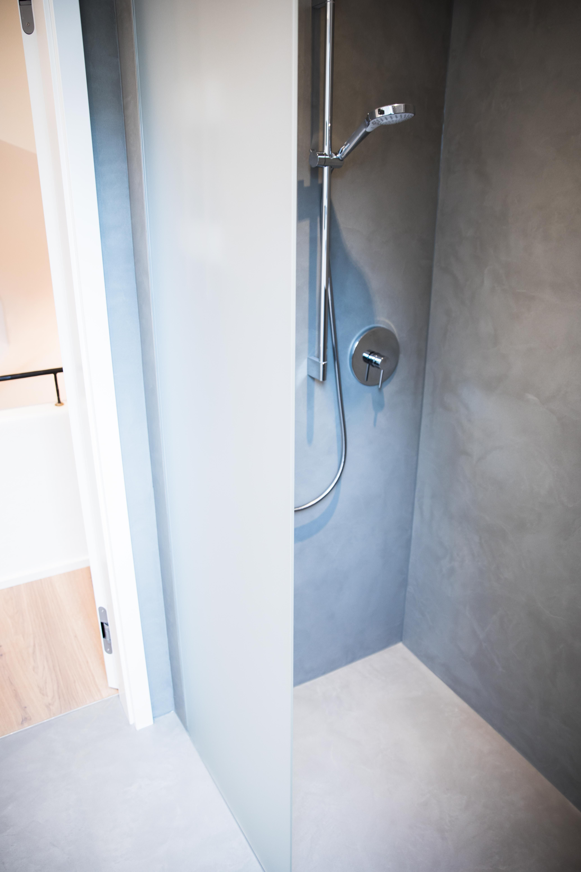 Dusche ohne Fliesen Pandomo Wall Moderne dusche, Dusche
