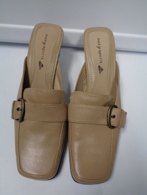 30.88$  Watch now - http://viawc.justgood.pw/vig/item.php?t=w2w388u55279 - EASY SPIRIT NWOB Beige Buckle Accent Block Heeled Mules Size 8 B3183 30.88$