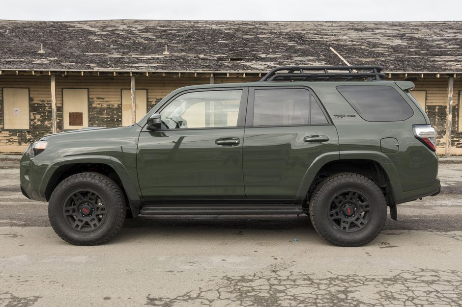 2020 Toyota 4runner Review The Old Dog Gets A Few New Tricks In 2020 Toyota 4runner 4runner Toyota 4runner Trd