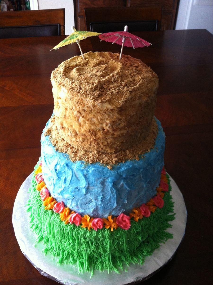 Luau Cupcakes | from HoosierHomemade.com