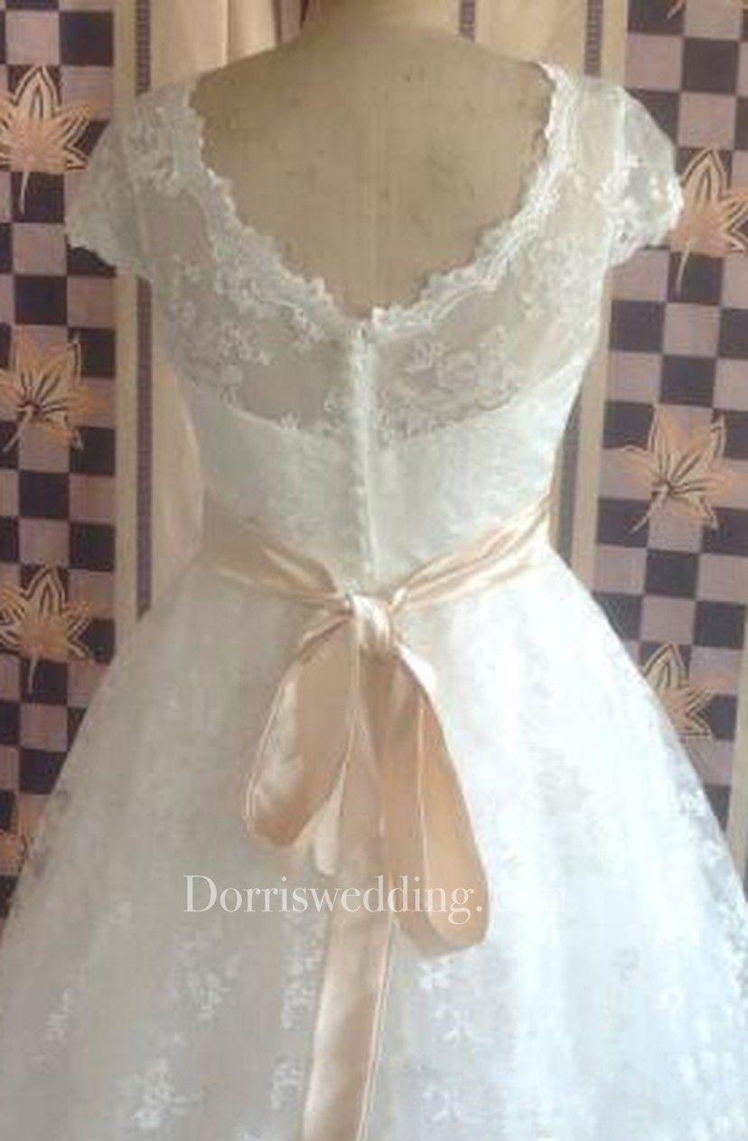 High quality jewel neck short sleeve vintage lace wedding dresses