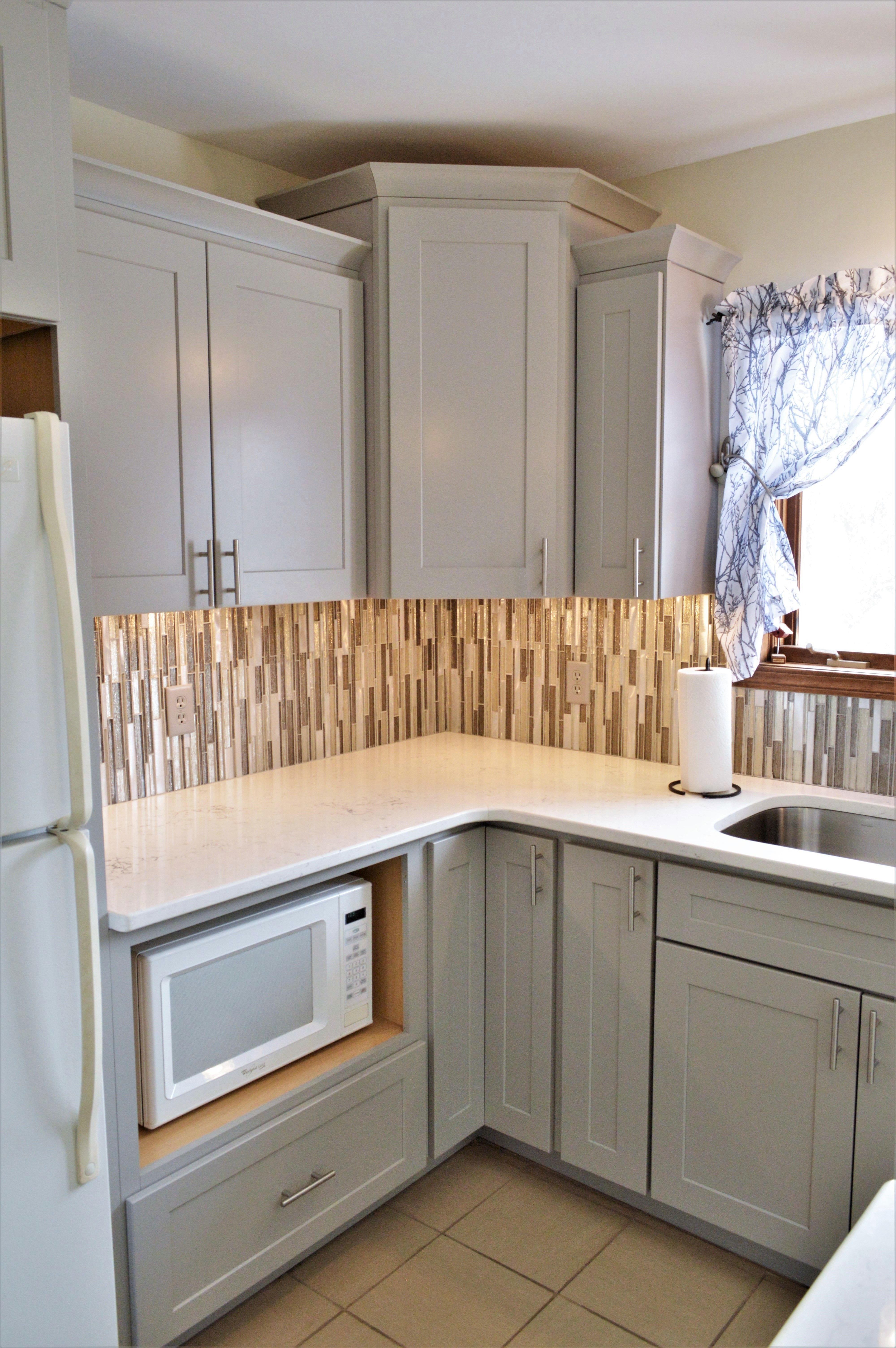 Bailey S Cabinets Baileytown Usa Select Maple Limestone Finish Jamestown Door Style Maple Cabinets Cabinet Cabinetry