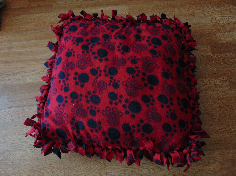 Puppy Prints on Red Fleece Pet Bed Pets, No sew fleece