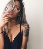 Photo of Girl tattoo and glasses picture #tattooedgirls – #picture #glasses #girl #tattoo… #tattooedgirls – tätowierte Mädchen