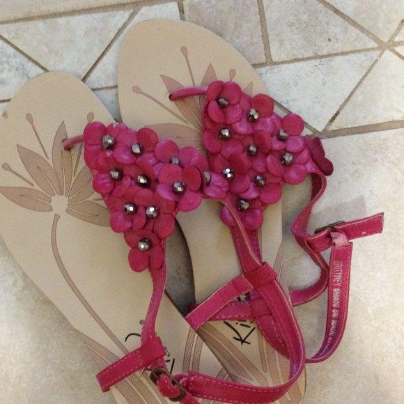 Sandal Pink flower sandal worn a couple times super comfy sandal Kim Rogers Shoes