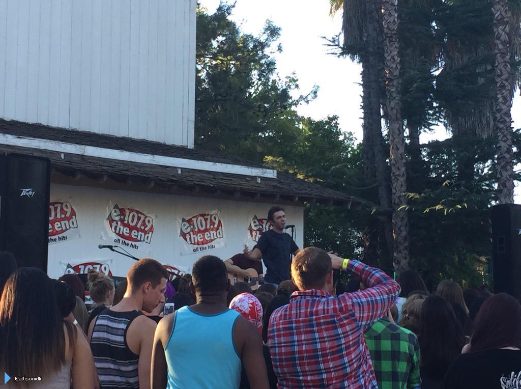 Nathan se apresentando no #SplashBash em Sacramento, nos Estados Unidos. (via @allisonidk) (12 ago.)