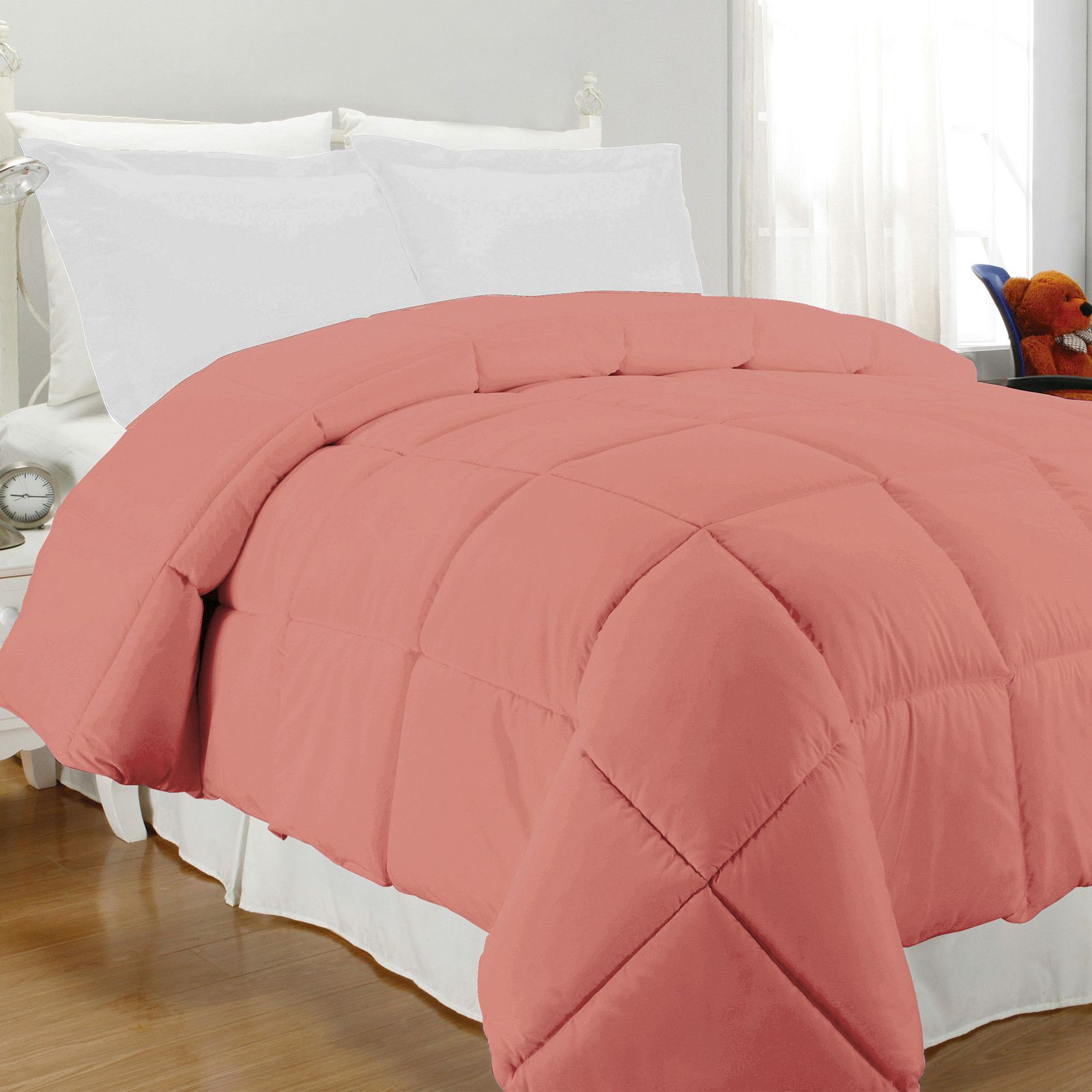 Solid Microfiber Down Alternative Comforter