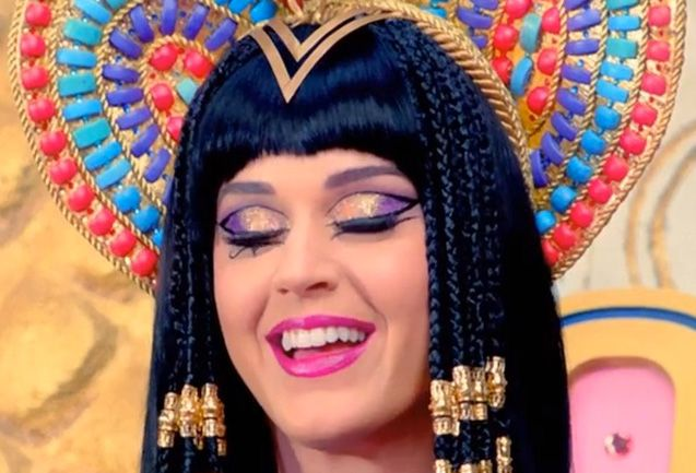 20 Beauty Lessons From Katy Perry's Bonkers Dark Horse ...