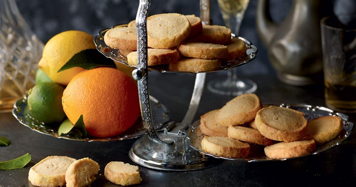 biscuits aux amandes et agrumes   recette   biscuits