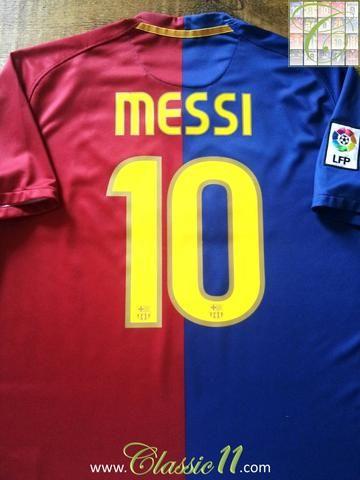 02e50bfa3a0 Relive Lionel Messi's 2008/2009 La Liga season with this original Nike  Barcelona home football shirt.