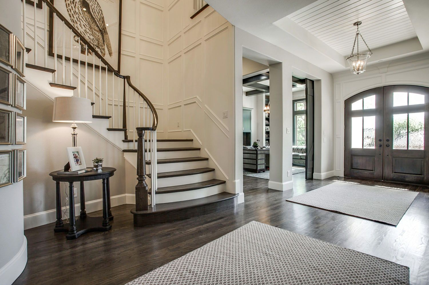 Stunning Cape Cod Design In Texas With Sophisticated Interior Styling In 2021 Foyer Decorating Foyer Staircase Foyer Ideas Entryway