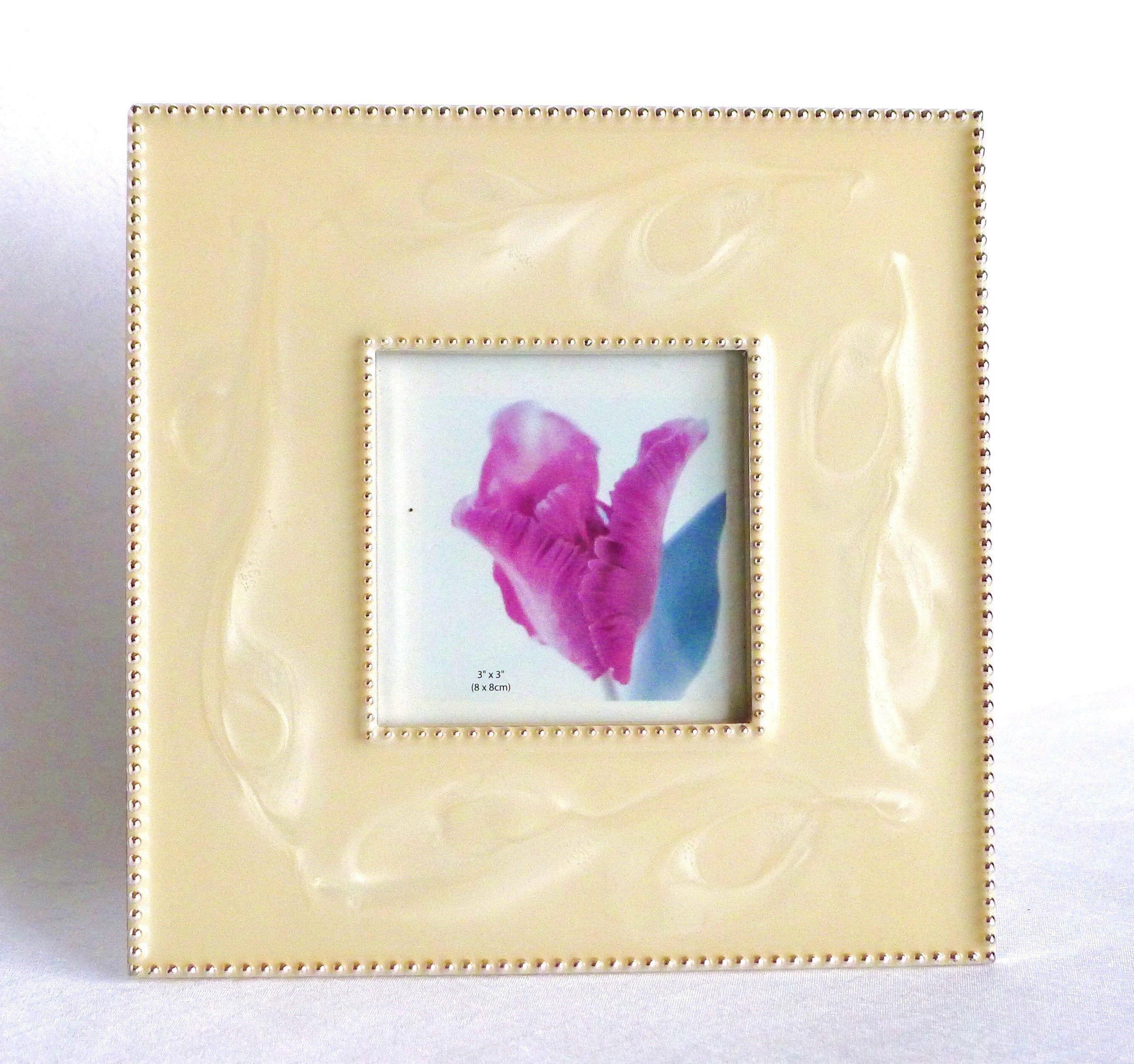 Kleiner Vintage Bilderrahmen Gold Creme Mit Perlmuttahnlicher Glanzender Glasur Fur Fotos 8 X 8 Cm 80er Jahre Besondere Geschenkidee Diy Art Frame Gifts