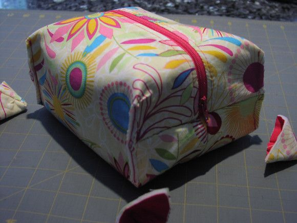Using French seams (no raw edges) this boxy pouch is awesome!
