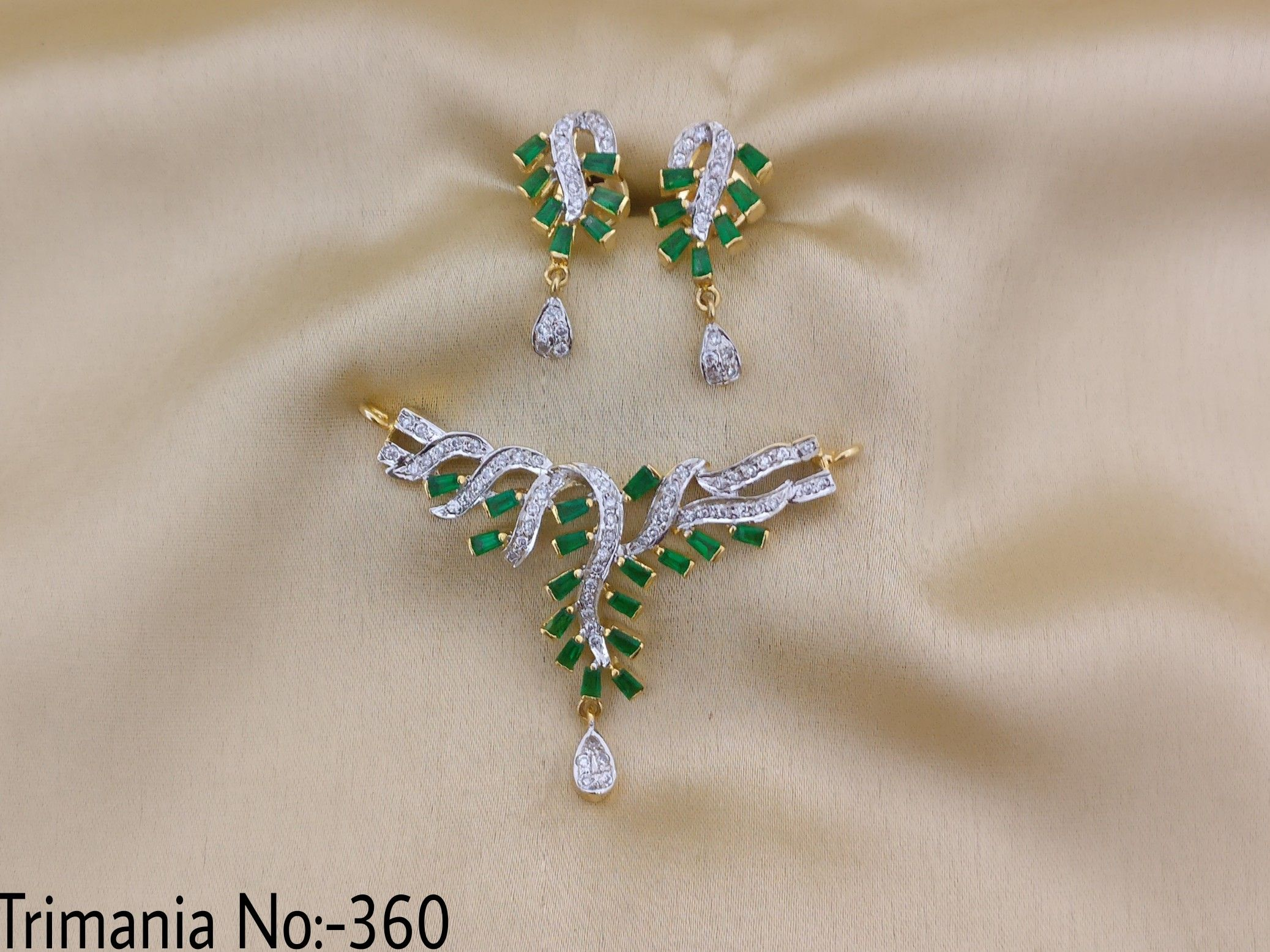 American Diamond Trimania Pendant Set. Emerald Stone With
