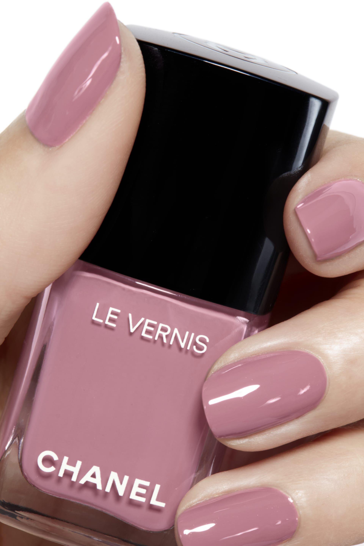 Le Vernis Longwear Nail Colour 743 Petale In 2020 Chanel Nails Chanel Nail Polish Nail Polish