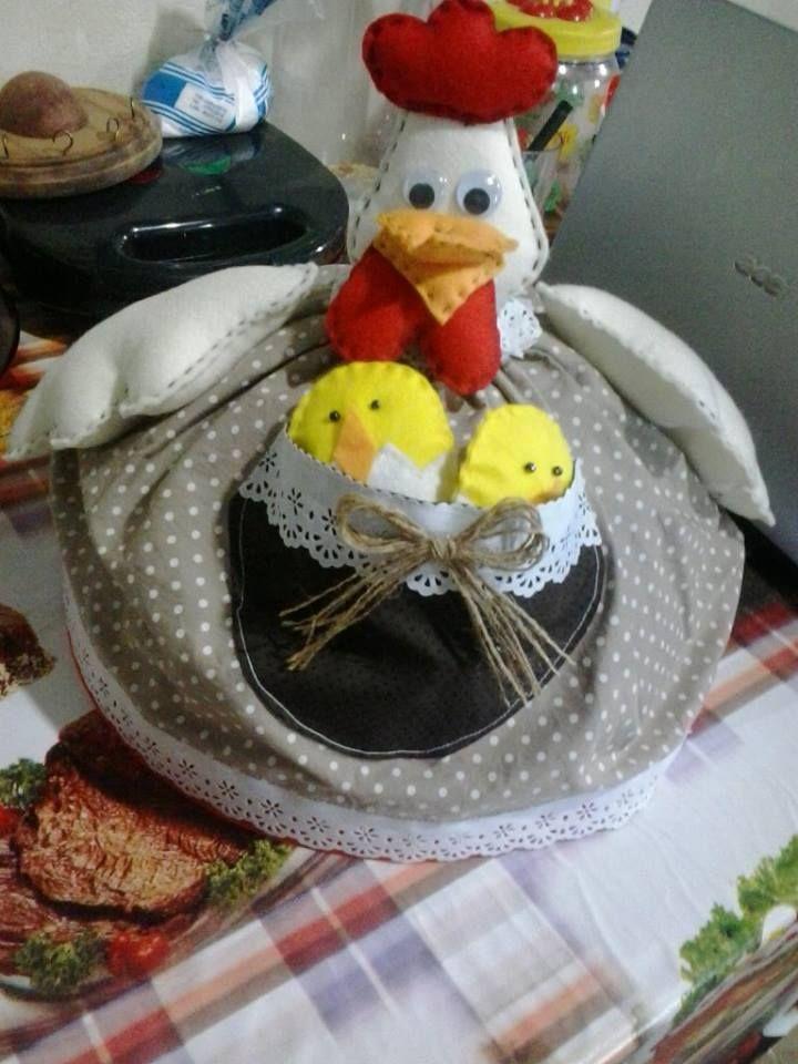 galinha cobre bolo
