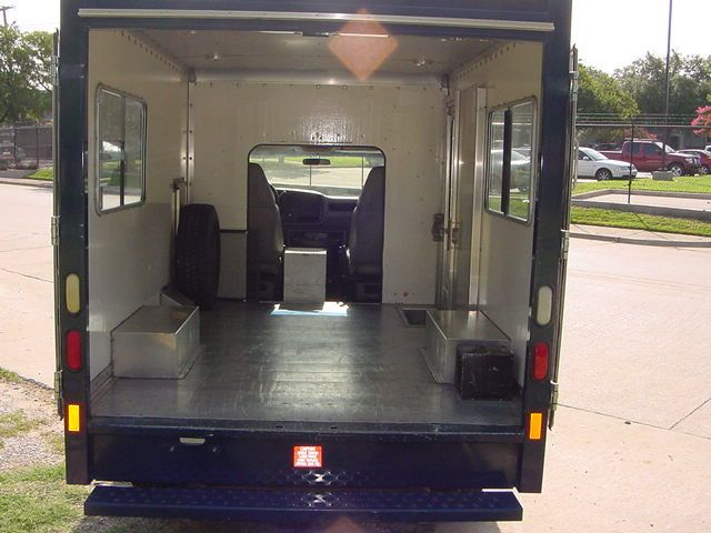 P30 Step Van Ramp Camper Moving Truck Conversion Camper Van Dwelling