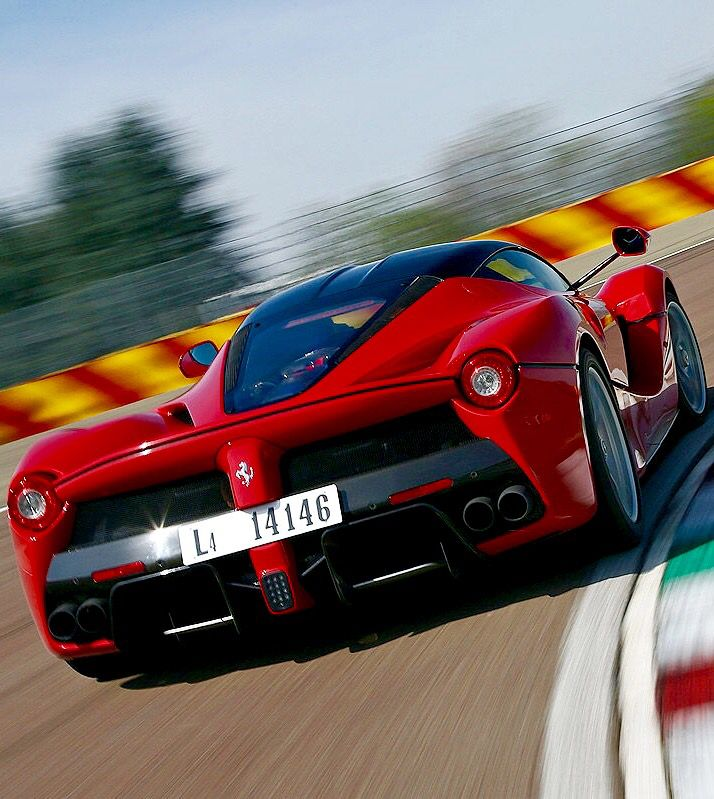 Ferrari Laferrari This Car Looks Good Coming Or Going All You Need