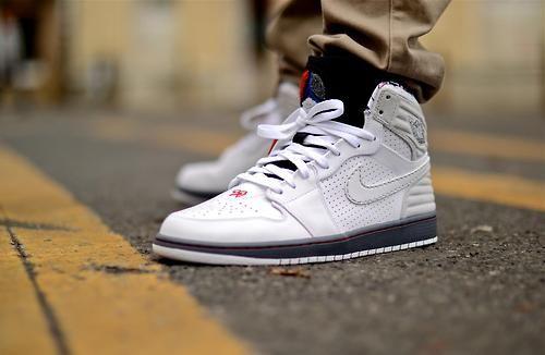 """Nike Air Jordan 1 Retro """"Bugs Bunny"""" (by. – Nike Air Jordan 1 Retro """"Bugs  Bunny"""" (by"""