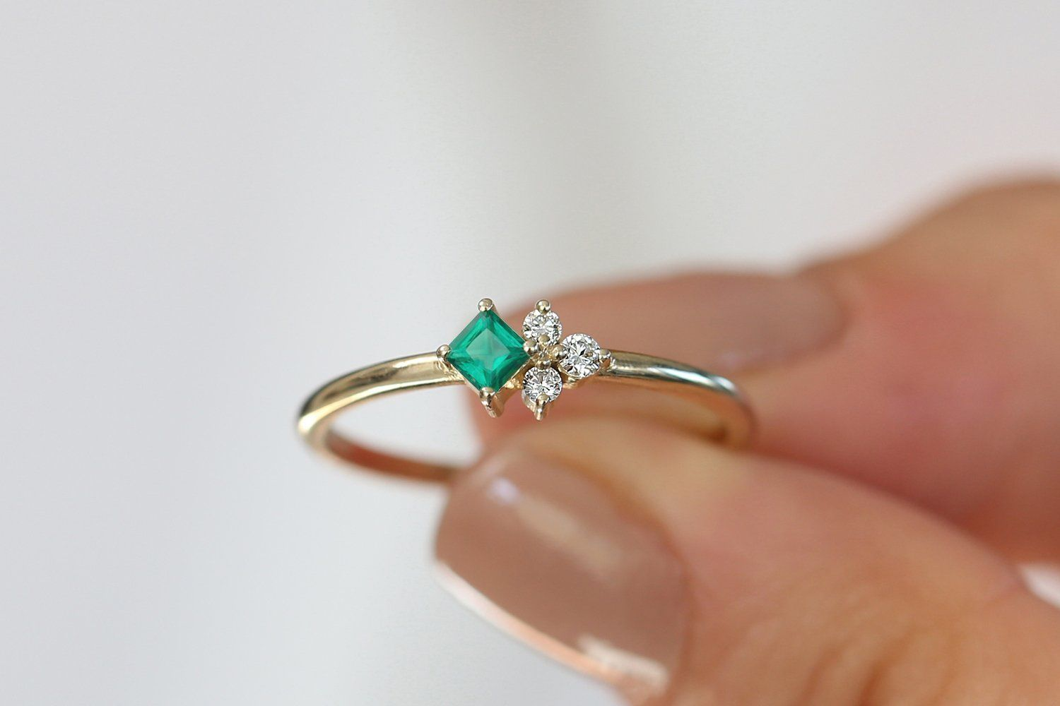 Details about  /Real 14KT Yellow Gold 1.00 Carat Stunning Round Cut Solitaire Women/'s Ring
