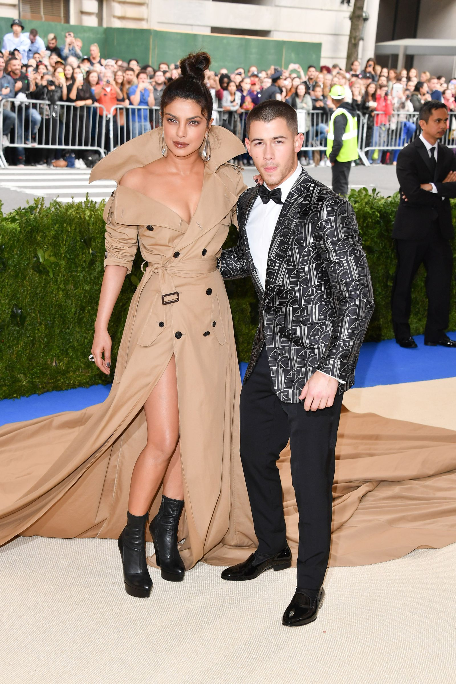 Priyanka Chopra And Nick Jonas Are Reportedly Dating -9141