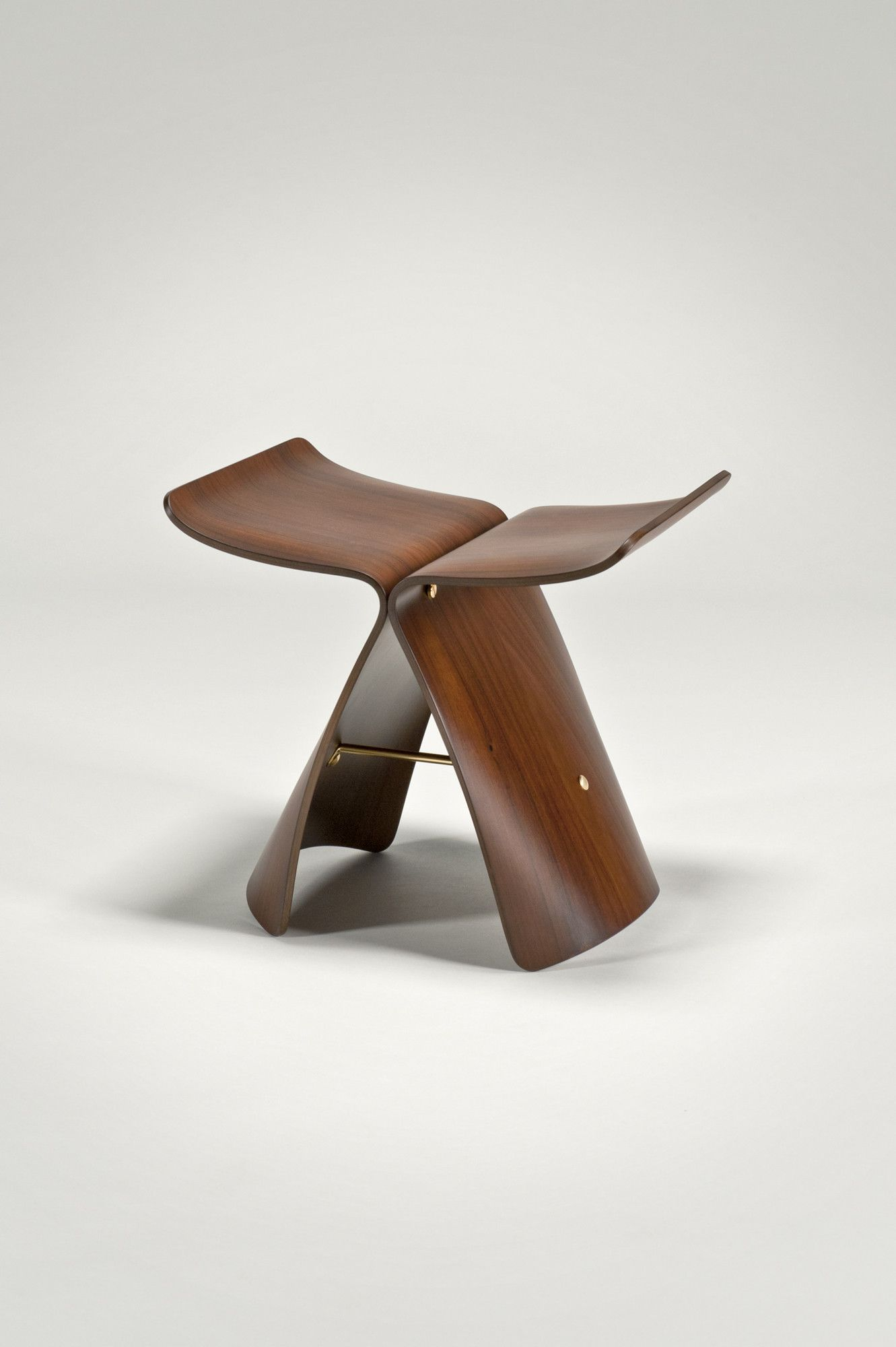 Butterfly Stool By Sori Yanagi Vitra Design Museum Chairs  # Muebles Wendy Manta