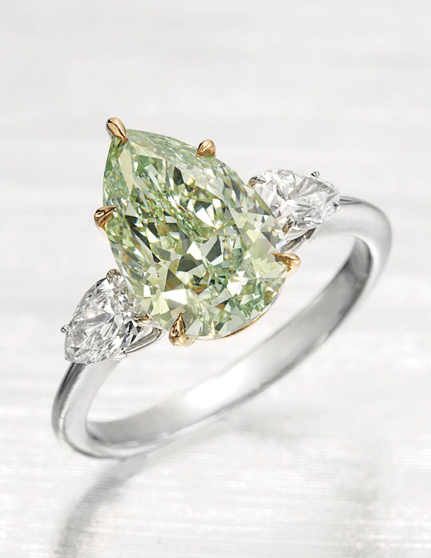 ea26d6340 ESTIMATE: $800,000 – 1,200,000Click to preview more from the Important  Jewels sale. Courtesy of Christie's - TownandCountryMag.com