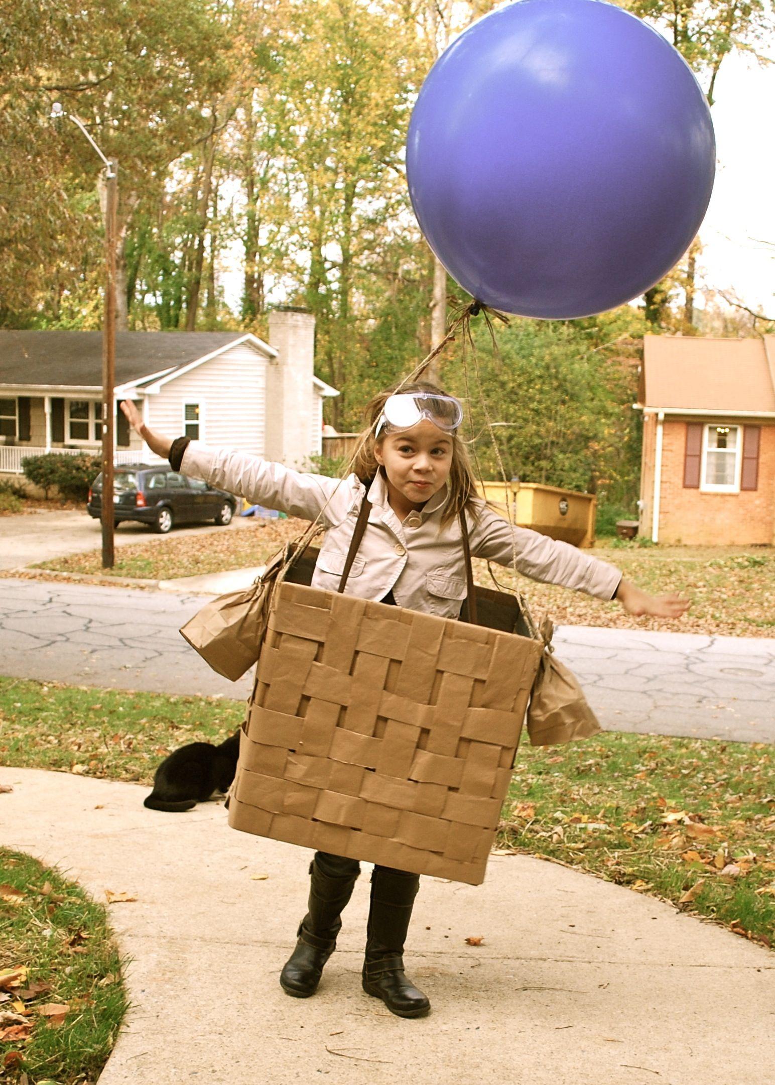 Hot air balloon pilot DIY costume. Weave kraft paper