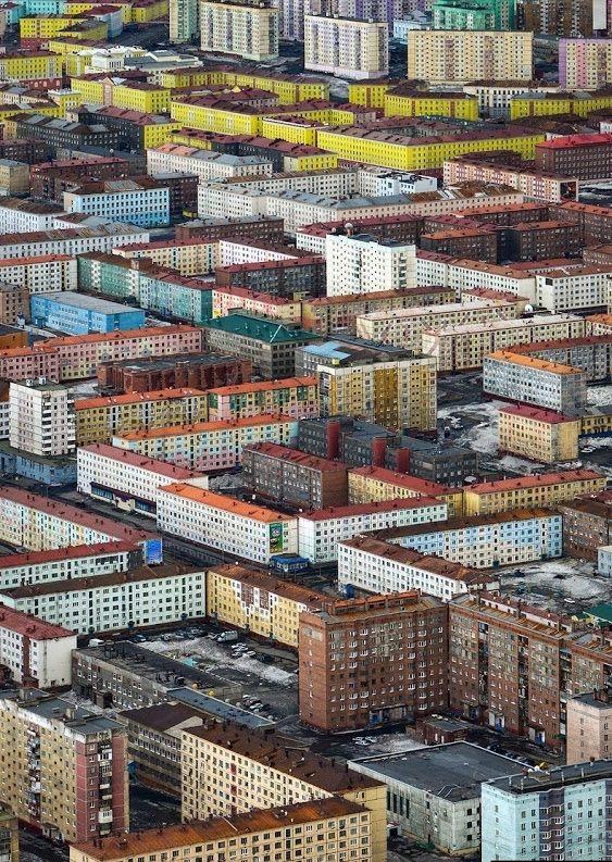 """peterfromtexas: """"Norilsk, Russia """" #paisajeurbano"""