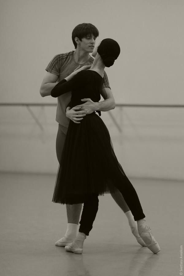 Ulyana Lopatkina and Xander Parish rehearsing Frederick Ashton's Marguerite and Armand at the historic Mariinsky Theatre. St Petersburg, December 2014 / Photo © Svetlana Avvakum