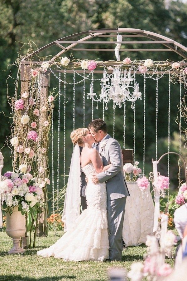 Viaggio winery wedding from scott andrew studio 2chic events outdoor chandelier rentals sacramento photography by scottandrewstudio planning by 2chic aloadofball Gallery
