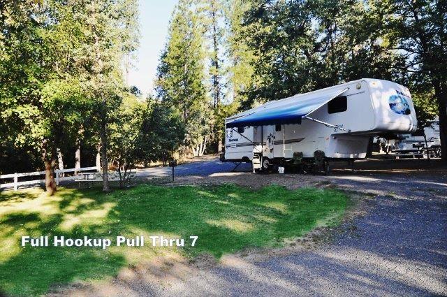 Full hookup camping near yosemite