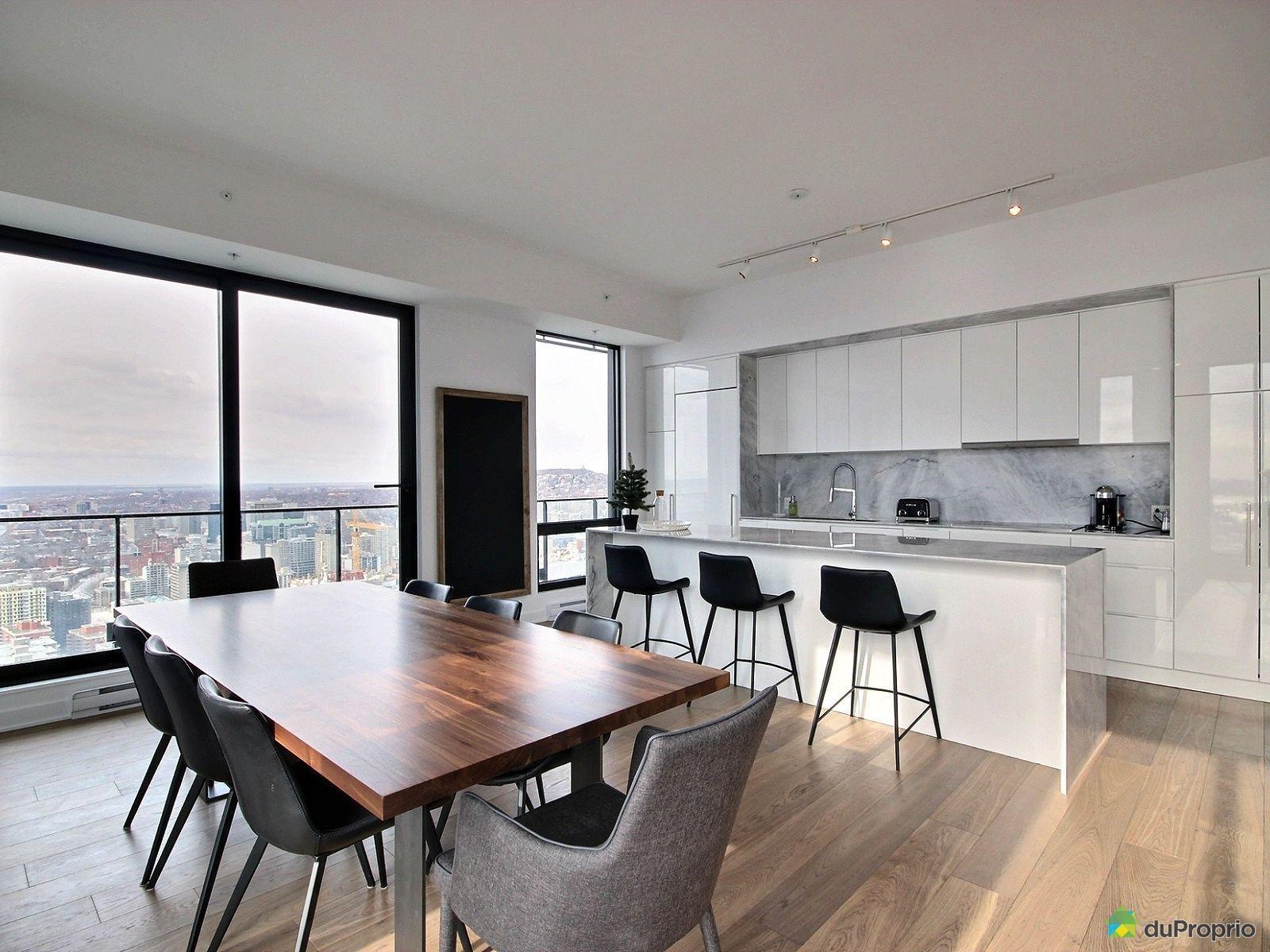 wow belle cuisine moderne blanche avec des comptoirs en marbre blanc tr s belle armoire. Black Bedroom Furniture Sets. Home Design Ideas