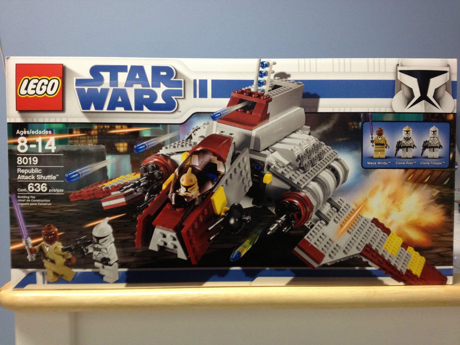 Lego Star Wars Republic Attack Shuttle 8019 Mace Windu Clone Trooper Clone Pilot Star Wars Clone Wars Star Wars Awesome Lego Star Wars