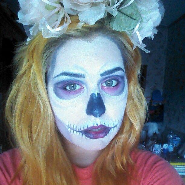#skull #halloween #makeup #diadelosmeurtos #hair #blonde #wavy #roses #flowers #diy