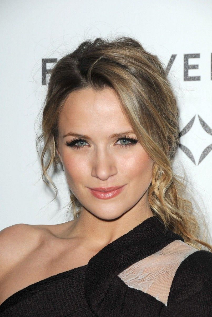 Shantel Van Santen Photo 8 Of 68 Pics Wallpaper Photo