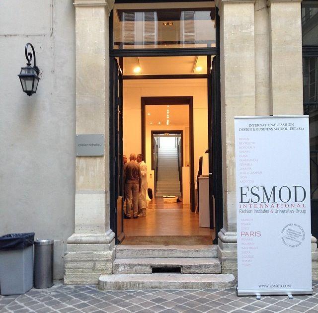 Fashion School Paris France School Style