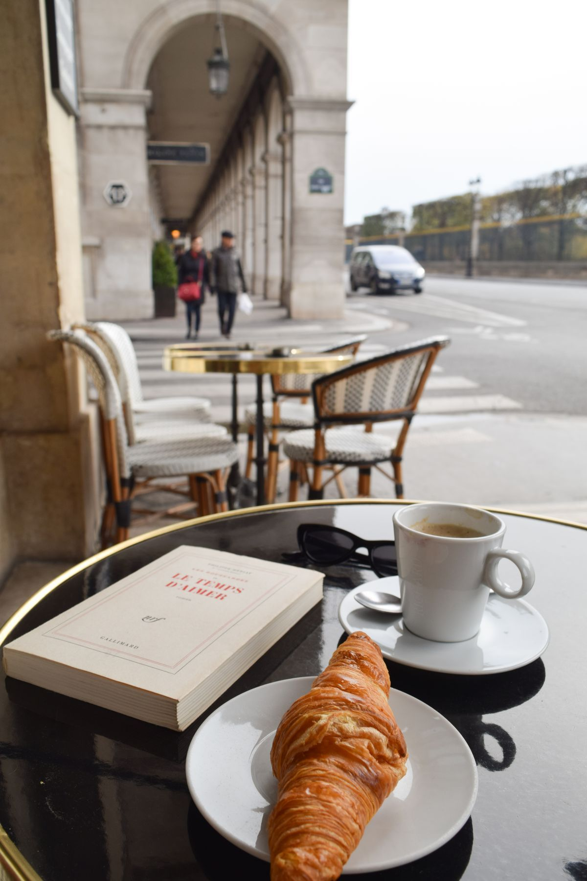 L Imperial Rivoli With Images Coffee And Books Coffee Around