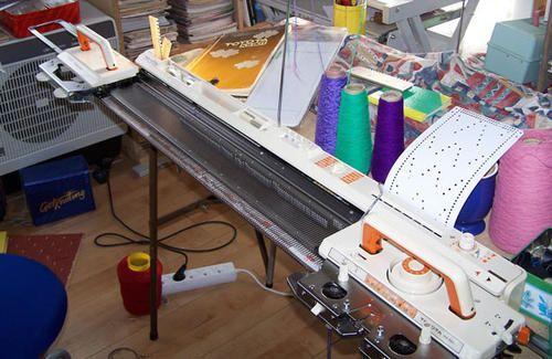 Buy Toyota KS901 Knitting Machine with Storage Table ...