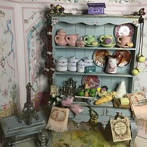 Dollhouse kitchen,miniature kitchen, white kitchen, light distressing, accessories, twelfth scale. hand painted, dollshouse miniature #miniaturekitchen