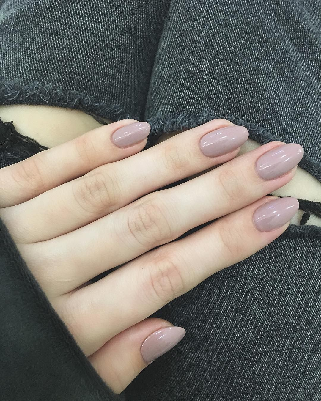 Nice 35 Great Ideas For Almond Nails Manageable And Attractive In 2020 Trendy Nails Almond Shape Nails Almond Acrylic Nails