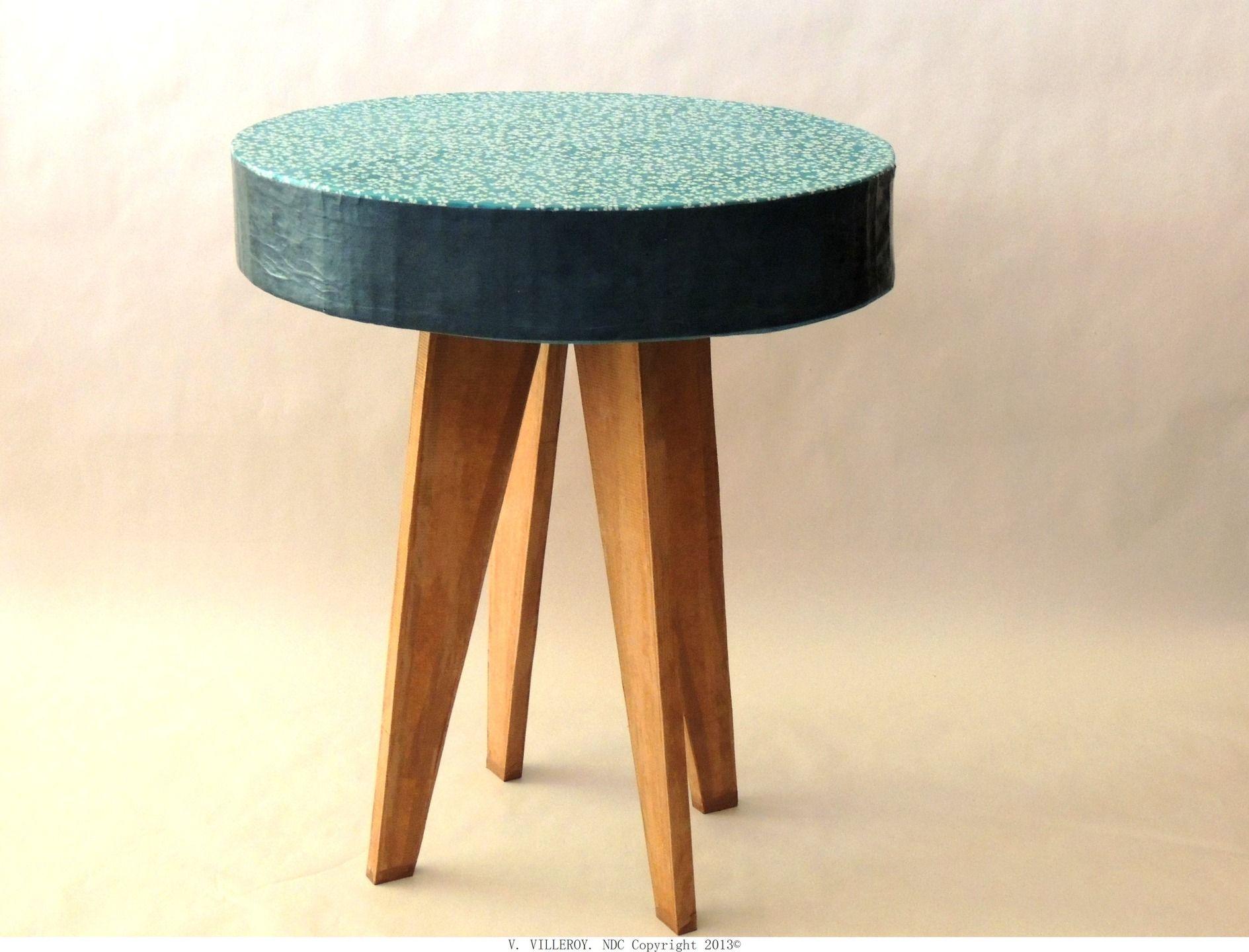 Table basse vintage bleue en carton recycl et bois for Meuble par nature