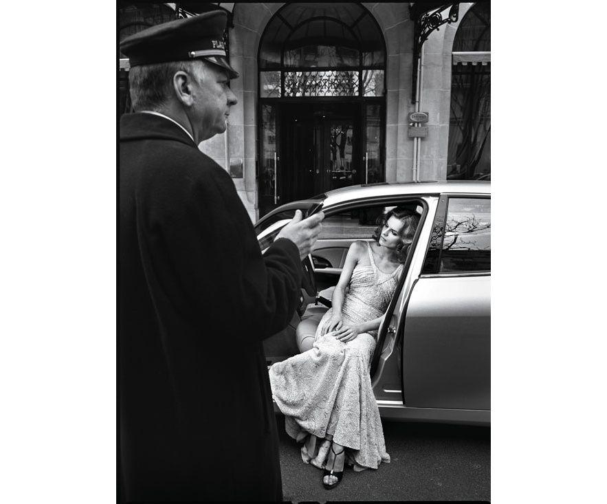 Vogue Paris Eva Herzigova photographed by Patrick Demarchelier